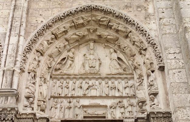 Portail royal de la cathédrale de Chartres Pythagore Aristote
